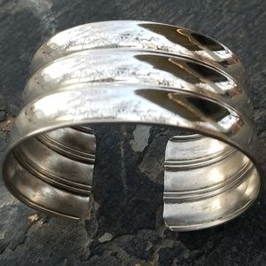 Jewelry - Gorgeous Italian Signed Sterling Cuff